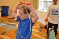 Niño con cuerda