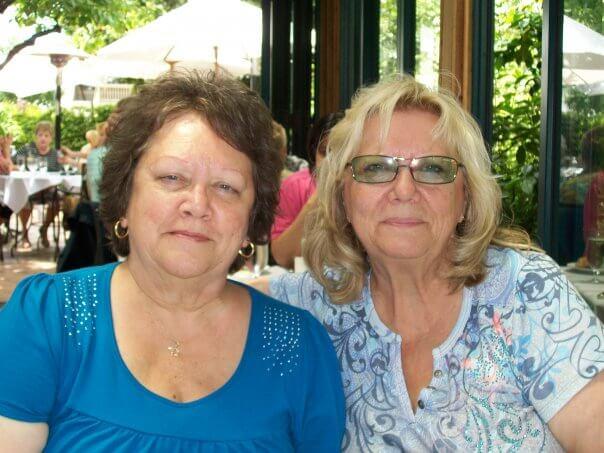 Linda Kuhn and her sister Brenda w FXTAS