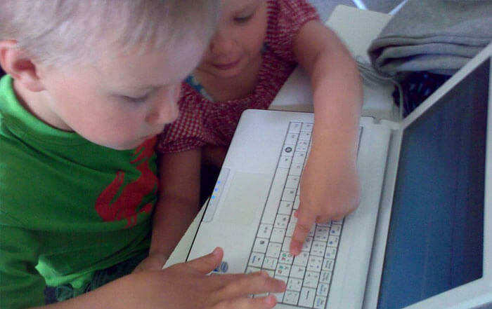 Children on a laptop computer